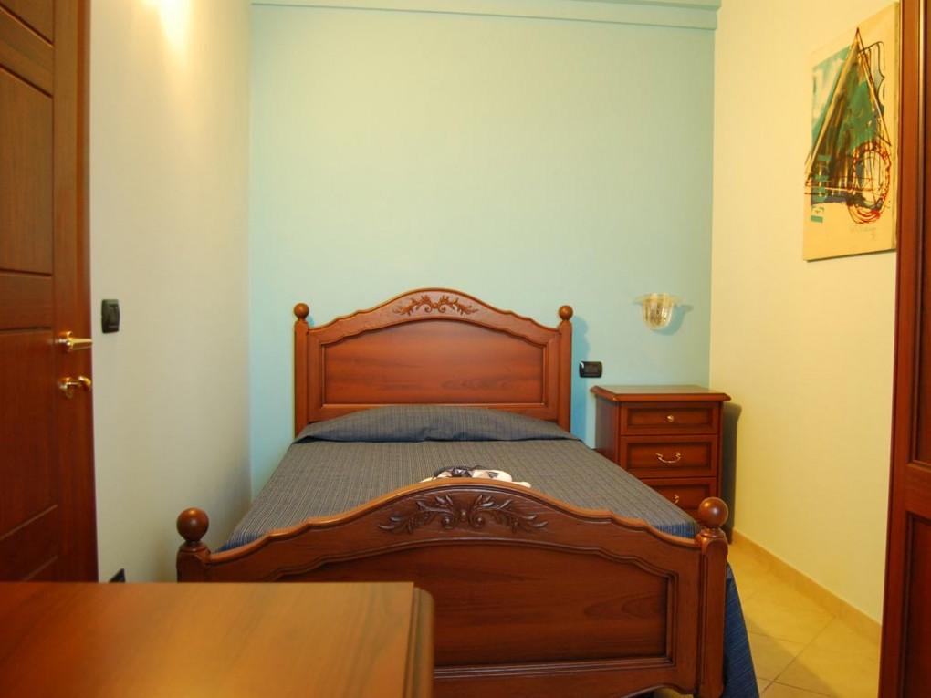 Pinus Rooms Camera Blu - Letto matrimoniale + letti singoli
